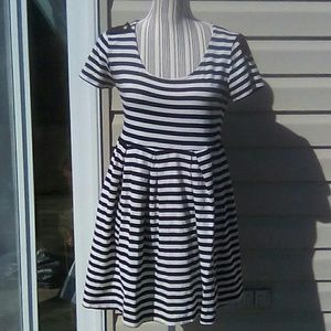 Forever 21 Black & White Striped Dress Sz L GUC